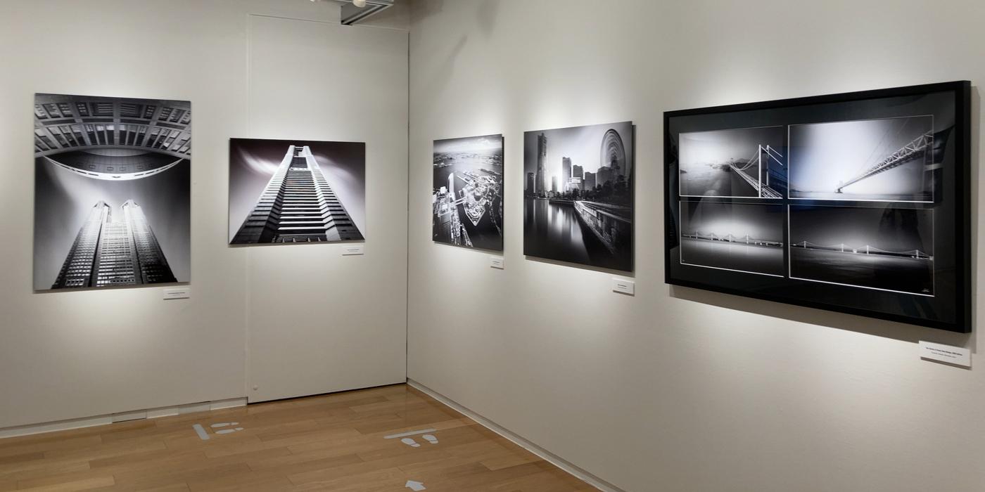アキラ・タカウエ作品展に見る「モノトーン建築写真の美しさ」